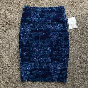 """NWT! LuLaRoe """"Cassie"""" Patterned Pencil Skirt (XS)"""